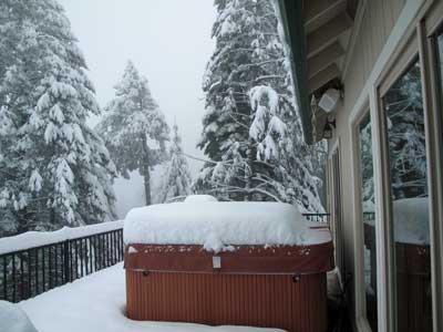Snowyhottub