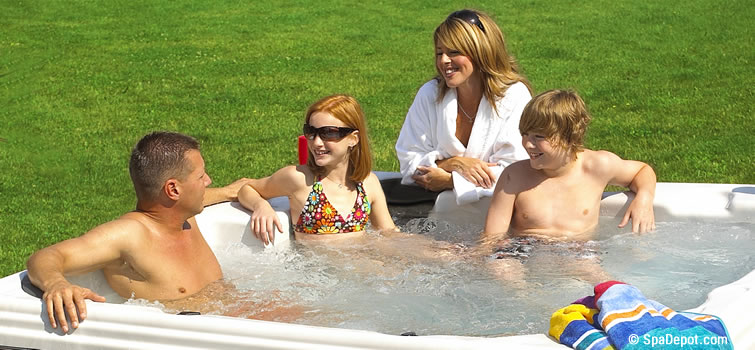 Family-hot-tub-lawn-16-01